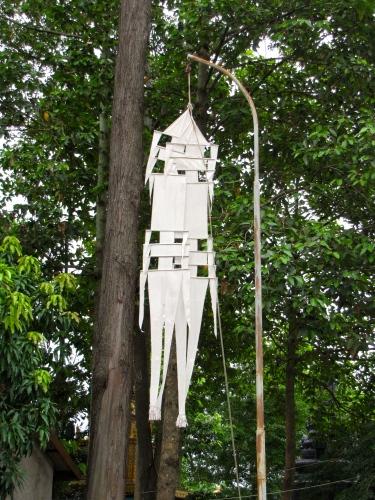White flag hung at two corners of the stupa - Wat Champuh Ka'ek, Kandal