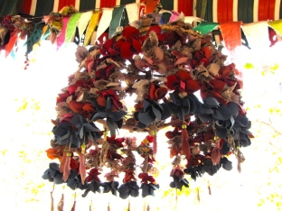 Decoratively hanging flower buds made of fabric - Phnom Chi Sol, Takeo