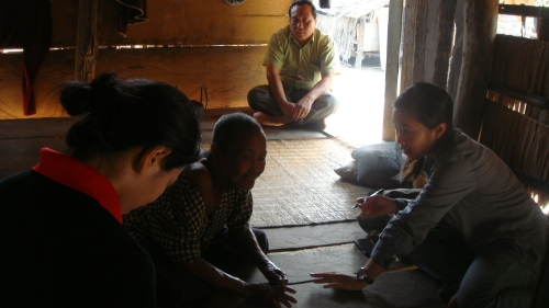 Conducting an interview for the first case study in Prey Nil village with HelpAge - Moung Russei, Battambang (Photo by Xuan Dong Le)